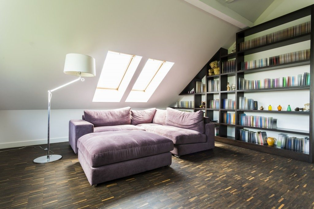 quiet and comfortable rooom with bookcases in the attic